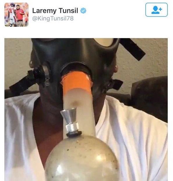 laremy-tunsil-bong